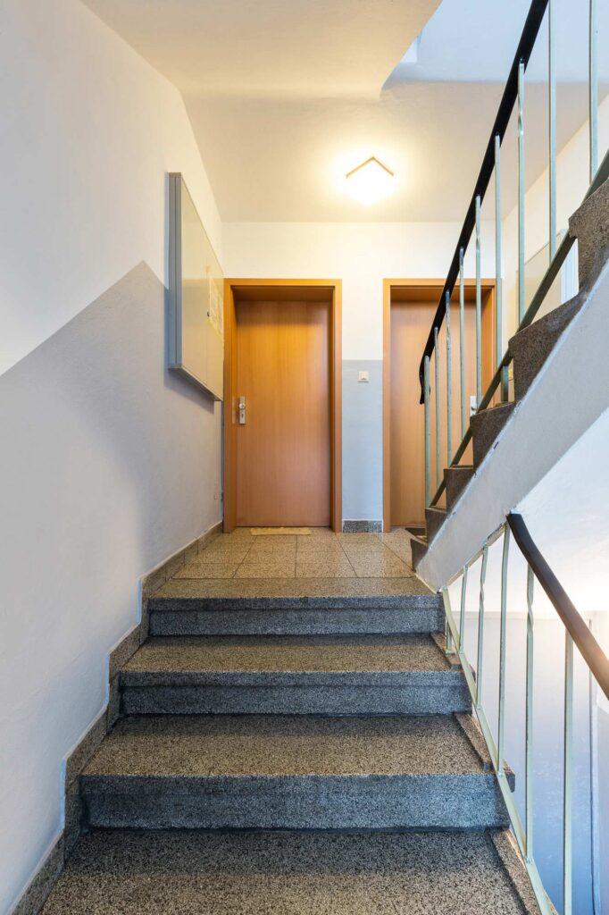 2020 12 E Haus Berge Str 02